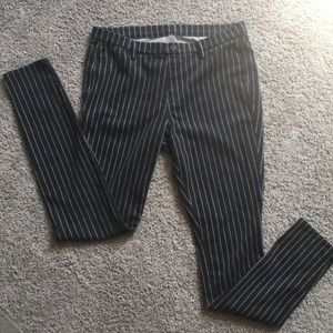 Uniqlo Navy Jeggings with pinstripe